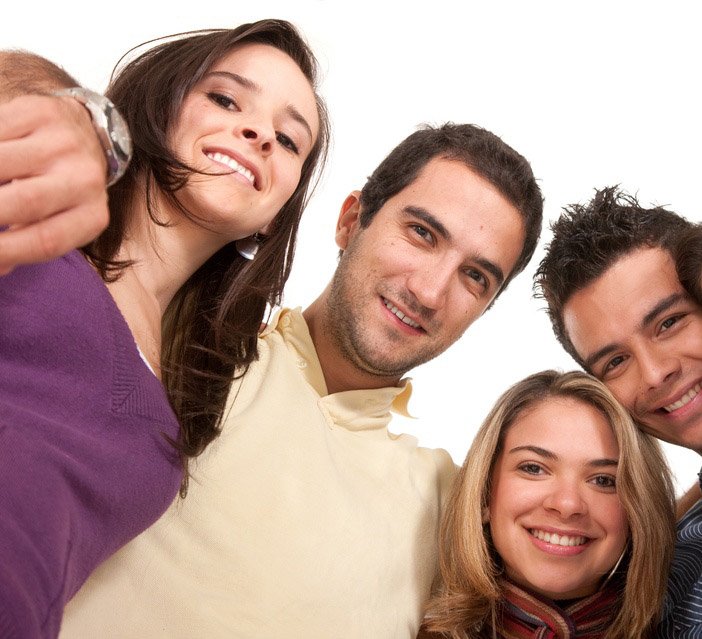 image of young adults to advertise Aish Chaim's Jewish learning program Juber Philly